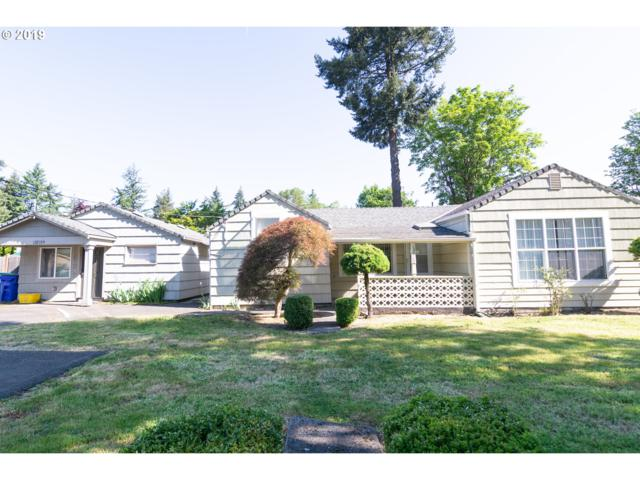 13715 SE Rhone St, Portland, OR 97236 (MLS #19470616) :: Townsend Jarvis Group Real Estate