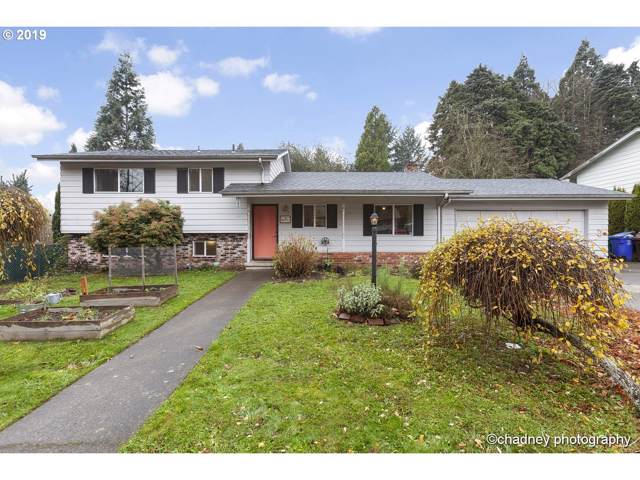 1075 SE Spruce Ct, Gresham, OR 97080 (MLS #19509416) :: McKillion Real Estate Group