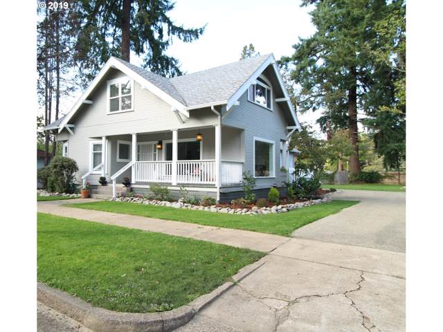 202 Adams Ave, Cottage Grove, OR 97424 (MLS #19516355) :: Gregory Home Team | Keller Williams Realty Mid-Willamette