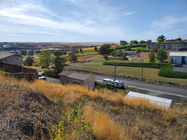 409 NW 21ST Dr, Pendleton, OR 97801 (MLS #19649354) :: Fox Real Estate Group