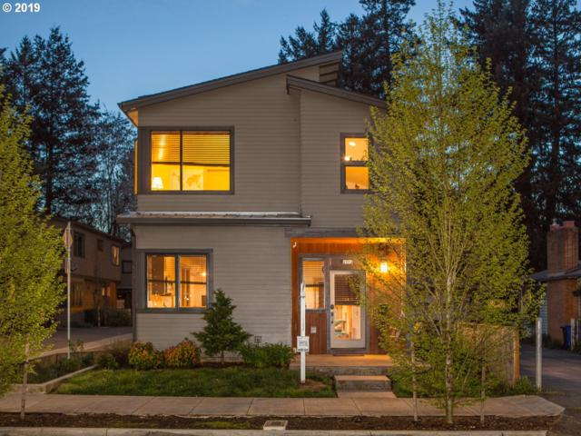 2273 SE 77TH Ave, Portland, OR 97215 (MLS #19687542) :: Song Real Estate