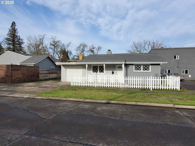 520 E Jefferson Ave, Cottage Grove, OR 97424 (MLS #20085377) :: Song Real Estate