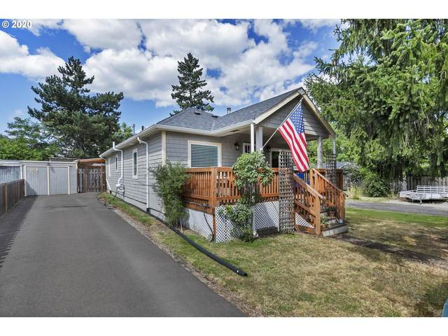 8327 SE Clatsop St, Portland, OR 97266 (MLS #20091737) :: Townsend Jarvis Group Real Estate