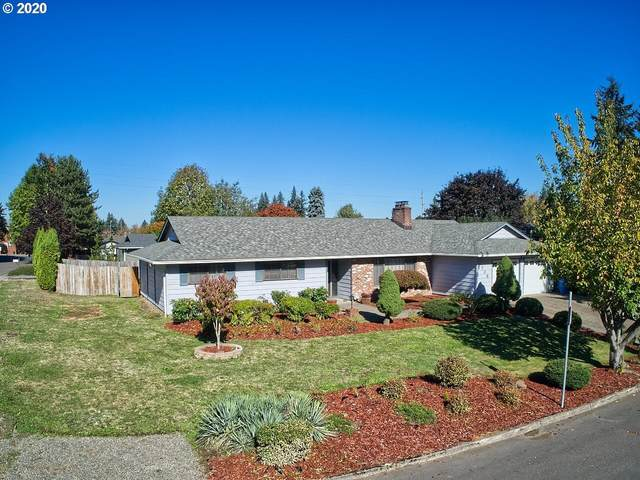708 NW Wildwood Dr, Vancouver, WA 98665 (MLS #20153585) :: Real Tour Property Group