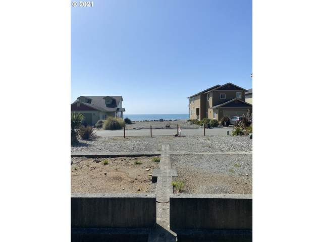 29009 Vizcaino Ct 7 & 8, Gold Beach, OR 97444 (MLS #20319050) :: Song Real Estate