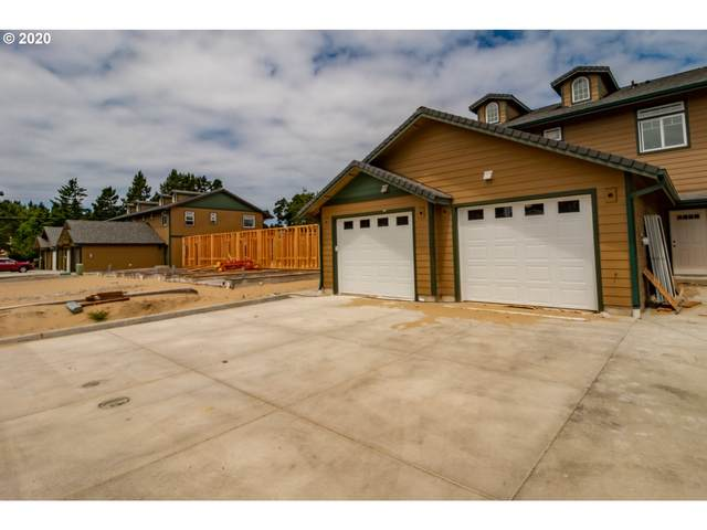 1694 32ND St, Florence, OR 97439 (MLS #20352144) :: Lux Properties