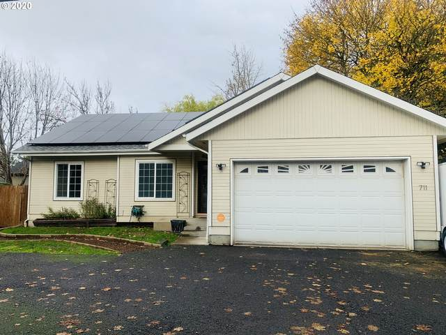 711 River Loop 1, Eugene, OR 97404 (MLS #20364164) :: Song Real Estate