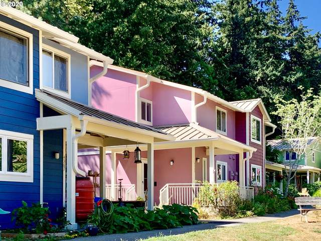 4363 SW 94TH Ave, Portland, OR 97225 (MLS #20364418) :: The Liu Group