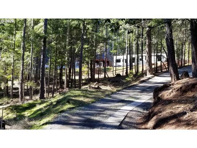 700 Yearly Way, Grants Pass, OR 97527 (MLS #20387563) :: Beach Loop Realty