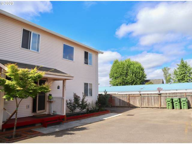 923 N Meridian St #3, Newberg, OR 97132 (MLS #20445004) :: Townsend Jarvis Group Real Estate
