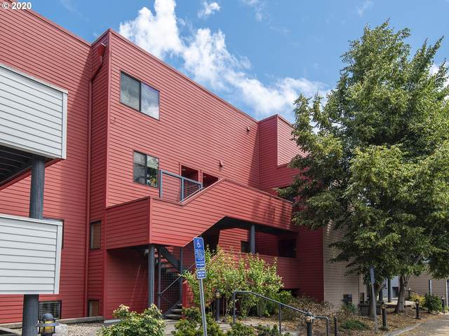 930 NW Naito Pkwy K-21, Portland, OR 97209 (MLS #20450024) :: McKillion Real Estate Group