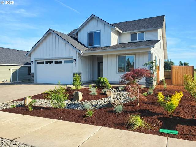 845 Reagan St, Mt. Angel, OR 97362 (MLS #20452265) :: The Galand Haas Real Estate Team