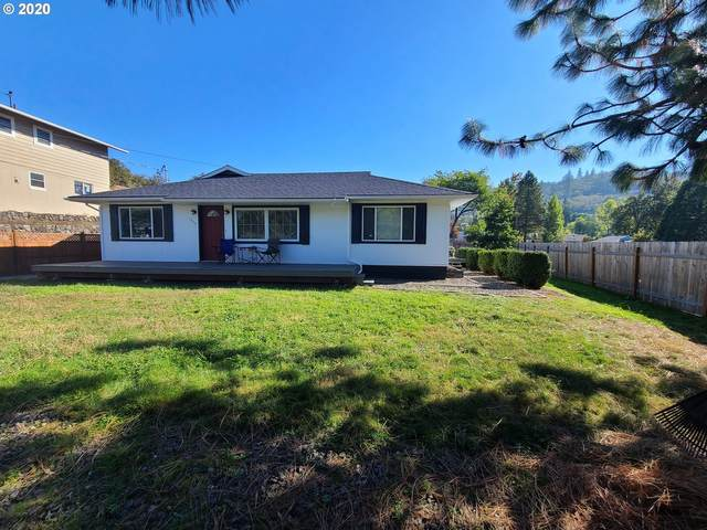 1755 NE Todd St, Roseburg, OR 97470 (MLS #20542319) :: Beach Loop Realty