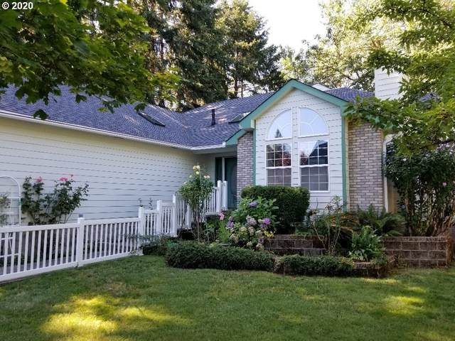 1839 NW Riverview Dr, Roseburg, OR 97471 (MLS #20589890) :: The Liu Group