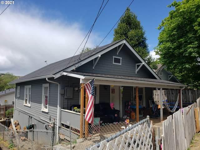 1514 SE Main St, Roseburg, OR 97470 (MLS #21080025) :: Townsend Jarvis Group Real Estate