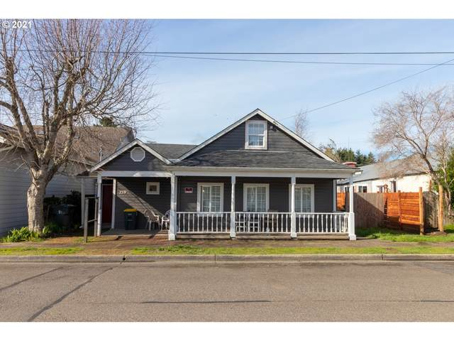 239 Maple St, Florence, OR 97439 (MLS #21092826) :: Brantley Christianson Real Estate