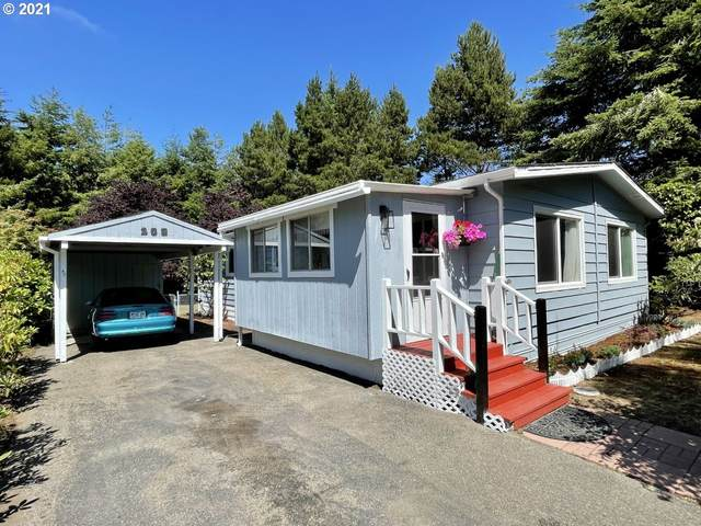 203 Costa Ct, Coos Bay, OR 97420 (MLS #21101914) :: The Haas Real Estate Team