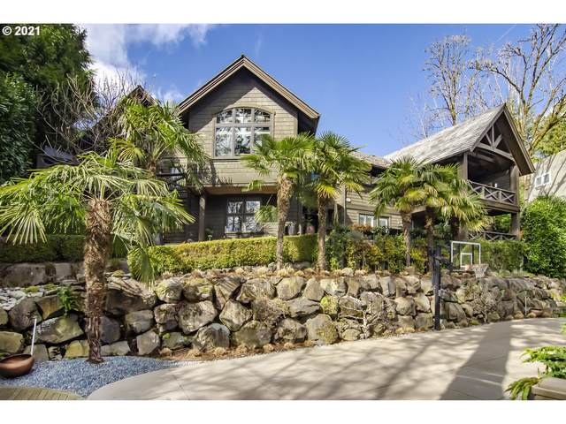 3930 SW Greenleaf Dr, Portland, OR 97221 (MLS #21136581) :: The Pacific Group