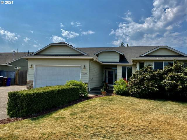 1425 Mt  View Ln, Molalla, OR 97038 (MLS #21147216) :: Premiere Property Group LLC