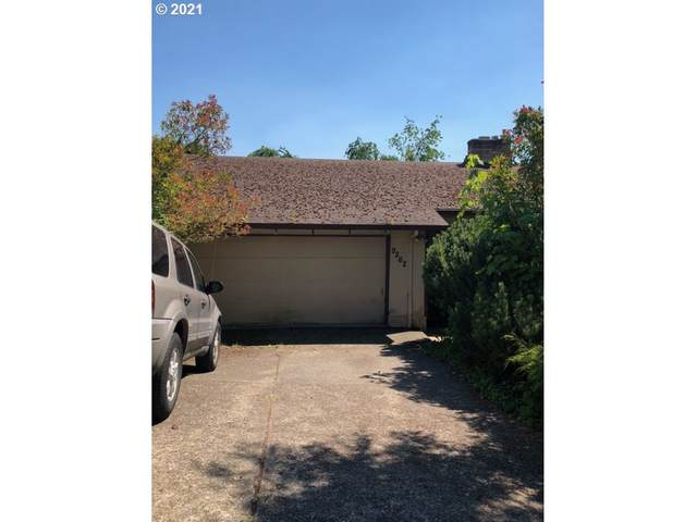 9262 SE Lynn Ln, Happy Valley, OR 97086 (MLS #21153978) :: Real Estate by Wesley