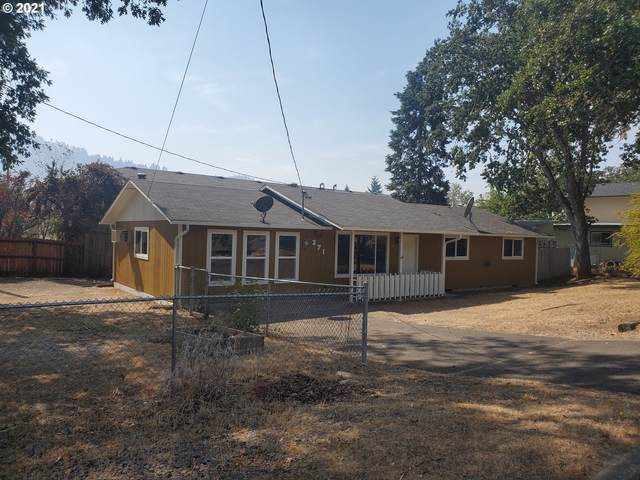 271 SE Hungerford Ln, Winston, OR 97496 (MLS #21182488) :: Gustavo Group