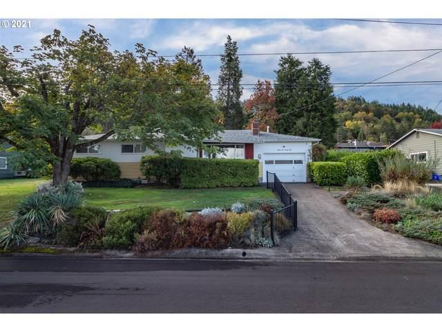 2421 W Lorraine Ave, Roseburg, OR 97471 (MLS #21220901) :: Premiere Property Group LLC