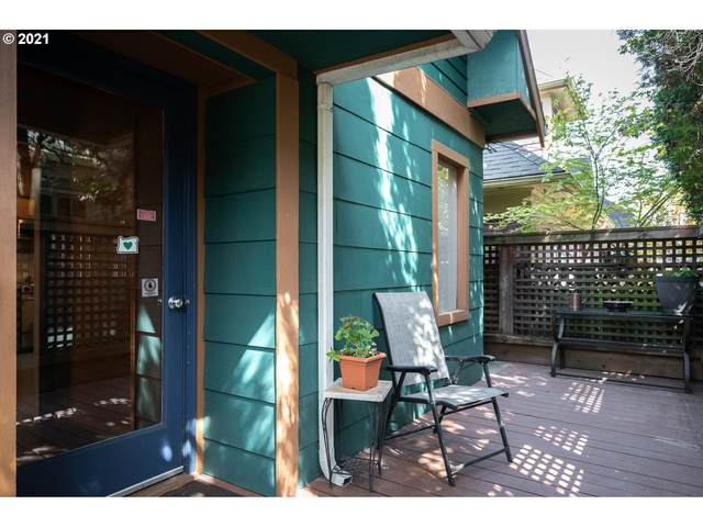 104 S Grover St, Portland, OR 97239 (MLS #21359292) :: Song Real Estate