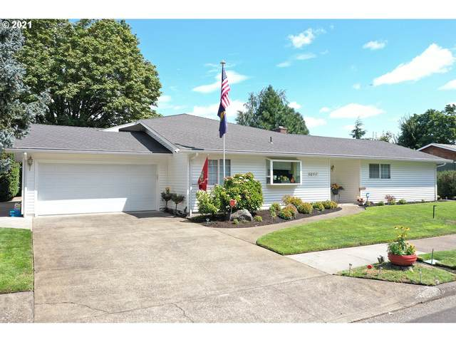 92717 Pebble Beach Ln, Junction City, OR 97448 (MLS #21361242) :: The Haas Real Estate Team