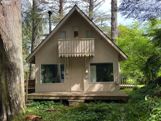 196 Hills Ln, Cannon Beach, OR 97110 (MLS #21361562) :: Premiere Property Group LLC