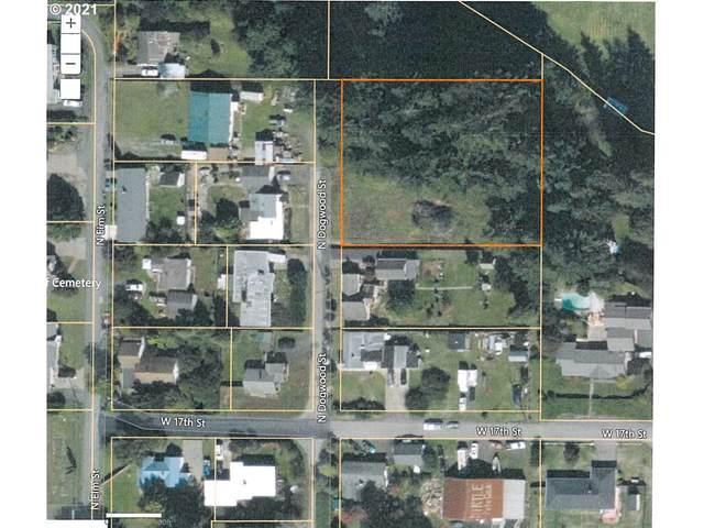 1748 N Dogwood St, Coquille, OR 97423 (MLS #21376007) :: Beach Loop Realty