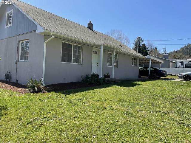 982 NE Lillian St, Myrtle Creek, OR 97457 (MLS #21406872) :: Townsend Jarvis Group Real Estate