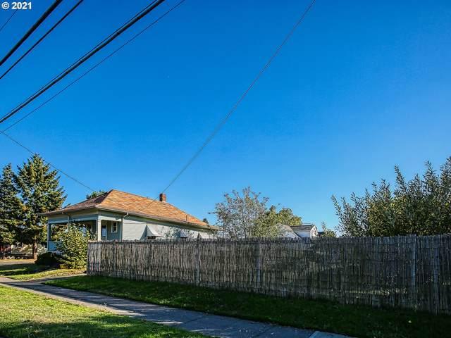2104 N Rosa Parks Way, Portland, OR 97217 (MLS #21408783) :: Fox Real Estate Group