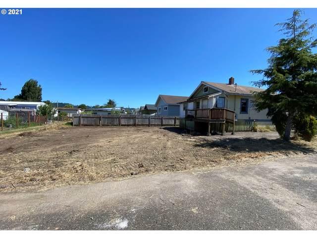 791 Mill Ave, Reedsport, OR 97467 (MLS #21412790) :: McKillion Real Estate Group