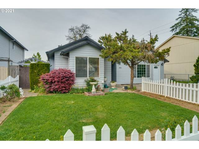 3859 SE 136TH Ave, Portland, OR 97236 (MLS #21436242) :: Fox Real Estate Group