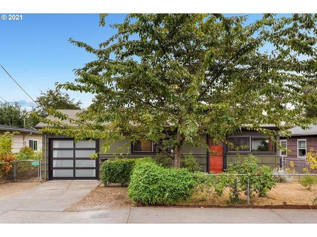 10120 SE Harold St, Portland, OR 97266 (MLS #21465339) :: McKillion Real Estate Group