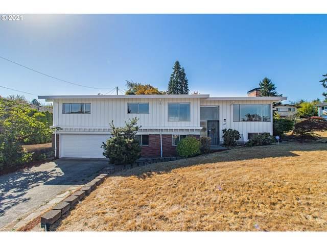 12022 NE Fremont St, Portland, OR 97220 (MLS #21494107) :: Song Real Estate