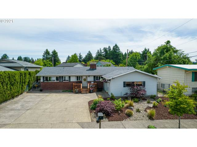 3212 SE 167TH Ave, Portland, OR 97236 (MLS #21496198) :: Townsend Jarvis Group Real Estate