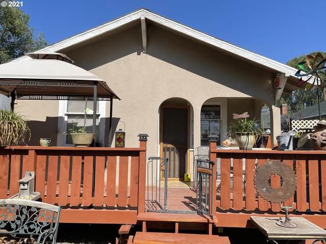 413 Martin St, Klamath Falls, OR 97601 (MLS #21526962) :: Oregon Farm & Home Brokers
