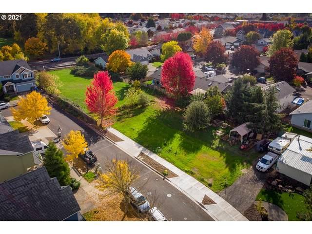 690 SW 173RD Ave, Beaverton, OR 97006 (MLS #21550452) :: Premiere Property Group LLC