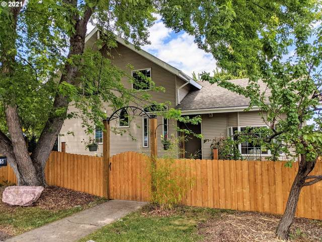 705 A Ave, La Grande, OR 97850 (MLS #21570495) :: Real Tour Property Group