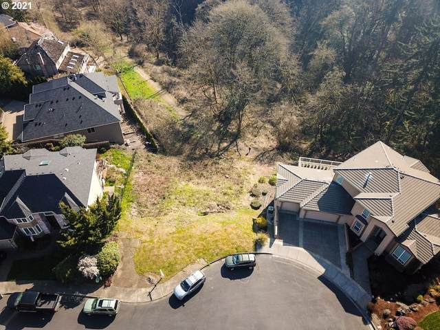 13704 SW Benchview Pl, Tigard, OR 97223 (MLS #21601070) :: The Liu Group
