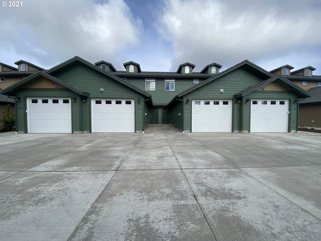 1726 32nd St, Florence, OR 97439 (MLS #21630210) :: Beach Loop Realty