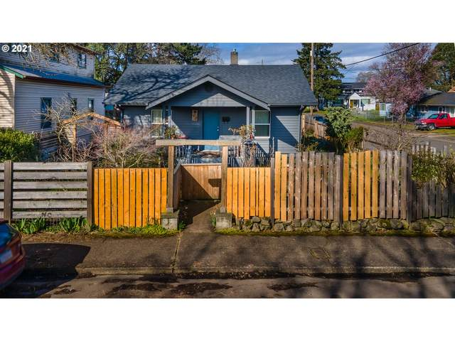 6303 SE 90TH Ave, Portland, OR 97266 (MLS #21644634) :: Duncan Real Estate Group