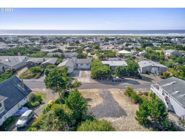 34504 J Pl, Ocean Park, WA 98640 (MLS #21697338) :: McKillion Real Estate Group