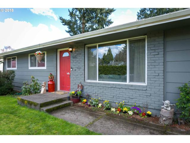 5802 SE Vest Ln, Milwaukie, OR 97222 (MLS #18136151) :: The Dale Chumbley Group