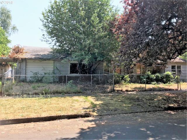 8516 N Calhoun Ave, Portland, OR 97203 (MLS #18245250) :: Hatch Homes Group