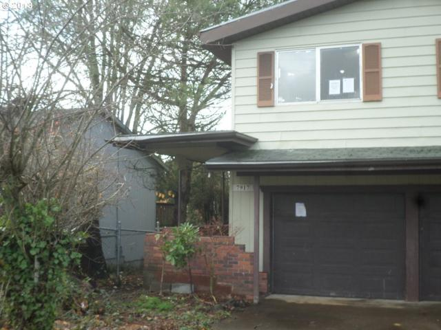 7917 SE 105TH Ave, Portland, OR 97266 (MLS #18367008) :: Hatch Homes Group