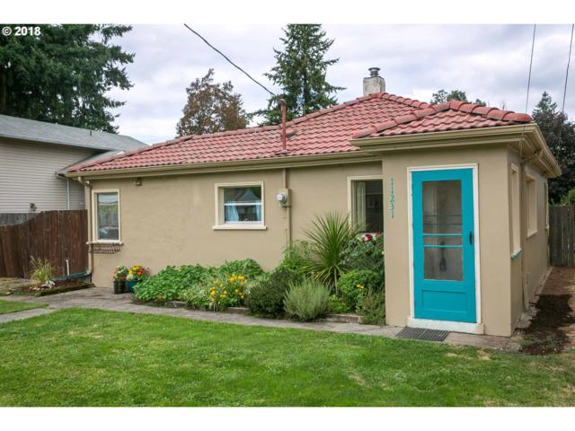 11231 NE Fargo St, Portland, OR 97220 (MLS #18370534) :: Next Home Realty Connection