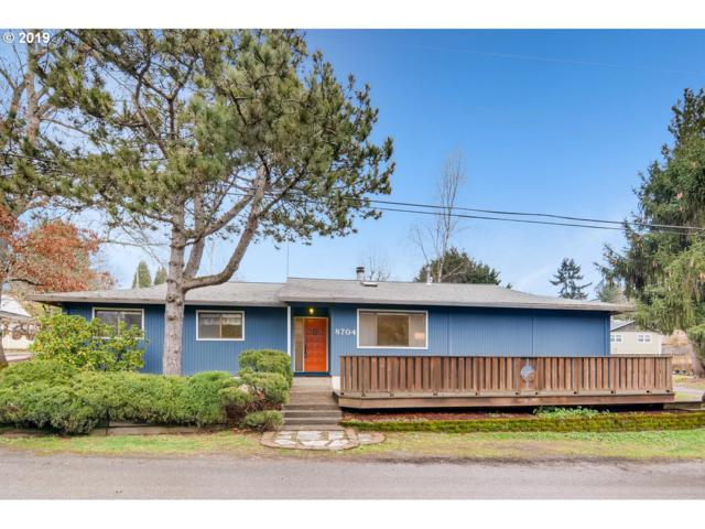 8704 SW 9TH Dr, Portland, OR 97219 (MLS #18503116) :: Realty Edge