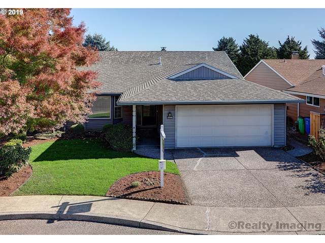 2350 NE 152ND Pl, Portland, OR 97230 (MLS #19382329) :: Next Home Realty Connection
